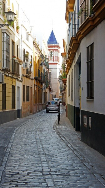 336px-На_улицах_Севильи,_Испания