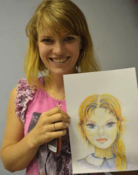 Женский портрет акварельными карандашами